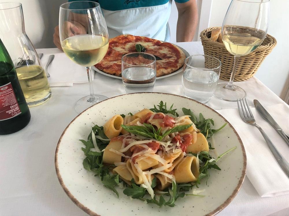 obiad w restauracji L'abside w Amalfii