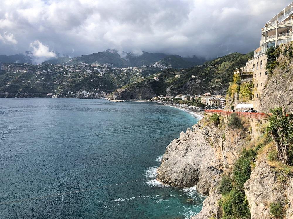 widoki na wybrzeże Amalfi