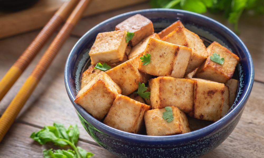 Tofu to produkt zawierający białko roślinne pochodzące ze strączków, lelcia.pl
